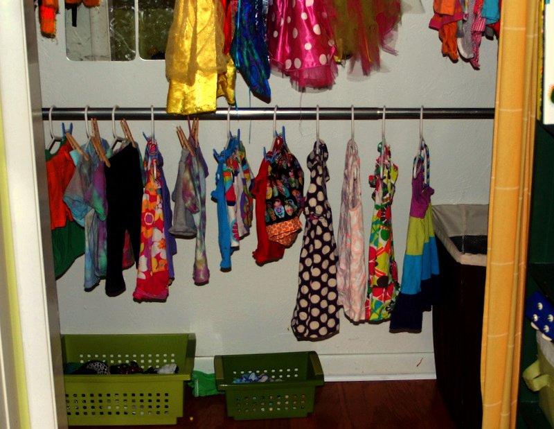 A Montessori-Inspired Kid's Closet