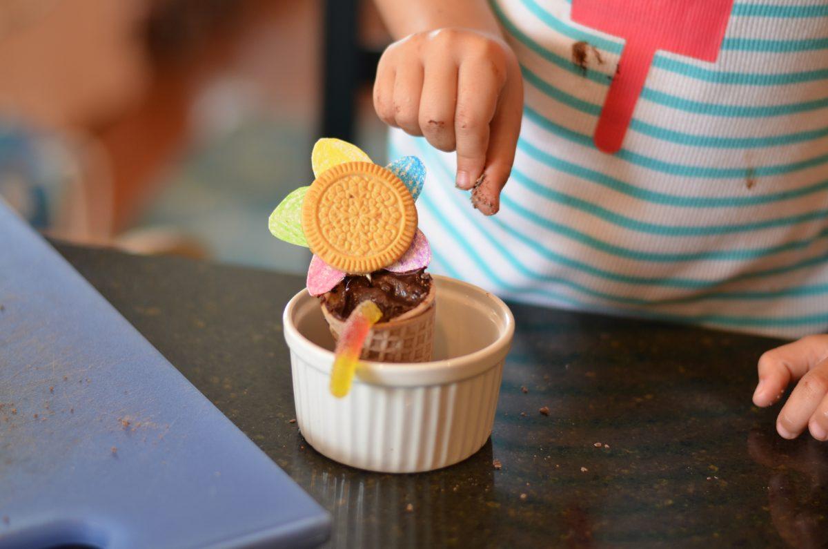 flower pot dessert, paleo dirt chocolate pudding